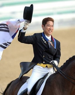 Young Shik Hwang wins the 2014 Asian Games in Incheon