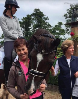 Barbara Chalmers and Kim Thomas (AUS) with Charlotte Dujardin and Valegro during the IDOC Clinic in the UK