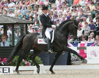 Andreas Helgstrand and Carabas at the 2009 European Championships in Windsor :: Photo © Astrid Appels