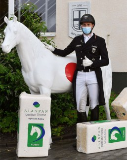 Frederic Wandres wins the first class (PSG) at the first big national dressage show in Germany at Hof Kasselmann, post corona