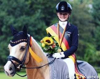 Rose Oatley and Daddy Moon are the 2020 German Pony Champions :: Photo © Sina Kuiper